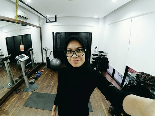 A little story about my first experience of EMS training live on the blog now!! (inalathifahs.blogspot.co.id) Let's join the vibes 💃 . #ClozetteIDx20FITreview #ClozetteID #lifestyle #health
