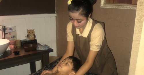 PERAWATAN ANAK MILENIAL: GADGETHOLIC FOR KID DAN EYE STRAIN TREATMENT DI MOM N JO