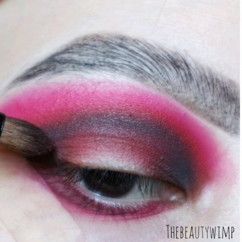 """<div class=""""photoCaption"""">TUTORIAL OF MY Second look 💯 .<br /> HIBISCUS BLACK DRAGON INSPIRED LOOK<br /> .<br /> Eyes deets<br /> @sigmabeauty Eyeshadow Base Primer - Ignite <br />  <a class=""""pink-url"""" target=""""_blank"""" href=""""http://m.clozette.co.id/search/query?term=sigmabeauty&siteseach=Submit"""">#sigmabeauty</a> <br /> @hudabeauty Electric Obsessions<br /> @bhcosmetics take me back to brazil<br />  <a class=""""pink-url"""" target=""""_blank"""" href=""""http://m.clozette.co.id/search/query?term=morphe&siteseach=Submit"""">#morphe</a> 39A - Dare To Create Palette @morphebrushes<br /> <br /> Brushes :<br />  <a class=""""pink-url"""" target=""""_blank"""" href=""""http://m.clozette.co.id/search/query?term=bhcosmetics&siteseach=Submit"""">#bhcosmetics</a> & Sigma Brushes (the types r stated in video)<br /> .<br /> .<br />  <a class=""""pink-url"""" target=""""_blank"""" href=""""http://m.clozette.co.id/search/query?term=clozetteid&siteseach=Submit"""">#clozetteid</a>  <a class=""""pink-url"""" target=""""_blank"""" href=""""http://m.clozette.co.id/search/query?term=morphebabe&siteseach=Submit"""">#morphebabe</a>  <a class=""""pink-url"""" target=""""_blank"""" href=""""http://m.clozette.co.id/search/query?term=sigmagical&siteseach=Submit"""">#sigmagical</a>  <a class=""""pink-url"""" target=""""_blank"""" href=""""http://m.clozette.co.id/search/query?term=sigmaprimetime&siteseach=Submit"""">#sigmaprimetime</a>  <a class=""""pink-url"""" target=""""_blank"""" href=""""http://m.clozette.co.id/search/query?term=anastasiabeverlyhills&siteseach=Submit"""">#anastasiabeverlyhills</a>  <a class=""""pink-url"""" target=""""_blank"""" href=""""http://m.clozette.co.id/search/query?term=anastasiabrows&siteseach=Submit"""">#anastasiabrows</a>  <a class=""""pink-url"""" target=""""_blank"""" href=""""http://m.clozette.co.id/search/query?term=juviasplace&siteseach=Submit"""">#juviasplace</a>  <a class=""""pink-url"""" target=""""_blank"""" href=""""http://m.clozette.co.id/search/query?term=colourpopme&siteseach=Submit"""">#colourpopme</a>  <a class=""""pink-url"""" target=""""_blank"""" href=""""http://m.clozette.co.id/search/query?term=daretocreate&siteseach=Submit"""">#dareto"""