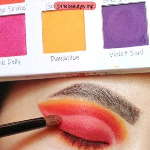Follow @thebeautywimp for more 💜💜💜💜_________Using @beautycreations.cosmetics Splash of Hues vol 2_________.....#makeupfeed #unleashyourinnerartist #creativemakeup #eyelooks #makeuptutorial #makeuplooks #wakeupandmakeup #sigmabrush #clozetteid #slave2beauty #wake2slay #eyeshadowtutorial #bcgirls #amrezyshoutouts #undiscovered_muas #inssta_makeup #makeupaddict #featuremuas #beautycreations #beautyunderyourinfluence