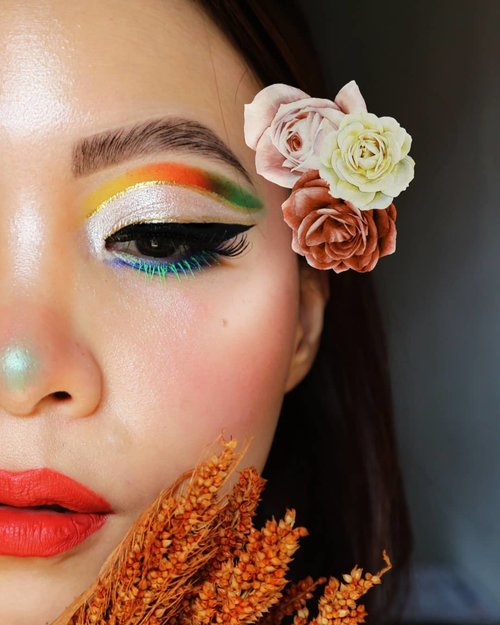 SPRING HAS SPRUNG P.2----------Anggep itu jepit bunga 🌺🌼Deets :@benefitindonesia my brow pencil@rollover.reaction cushion compact@juviasplace masqurede & afriqueGold eyeliner @mybeautystoryid Black eyeliner @nyxcosmetics_indonesia Face palette @beautycreations.cosmetics floral bloom💄@maybelline super stay matte ink.Brushes using the 100% cruelty free !@sigmabeauty F40 for contour , F03 for highlight, and E25 blending brush. (2 years warranty)#sigmaspringbreak19..#fakeupfix #makeupforbarbies2 #anatasiabeverlyhills  #peachyqueenblog #abhbrows #bretmanvanity #nyxcosmetics_indonesia #amrezyshoutouts  #beautygram #juviasplace #undiscovered_muas #morphebabe #slave2beauty #wakeupandmakeup #makeupobsession #fiercesociety #bunnyneedsmakeup #hypnaughtymakeup #makeupinspiration #clozetteid #beautybay #springmakeup