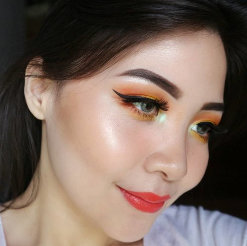 EYE TUT ON PREV POST ↗↗ . Deets BROWS @anastasiabeverlyhills dipbrow pomade ebony EYES @morphebrushes 12P @makeupgeekcosmetics creme brulee NYC liquid liner LIPS @lipstickqueen Jungle Queen . . . #clozetteid #beautybloggerindonesia #eyeshot  #beautygram #makeupblogger #eyetutorial #makeupvideo #eyemakeuptutorial #ivgbeauty #anatasiabeverlyhills #eyeshadowtutorial #eotd #beautyblogger #indobeautygram #instabeauty #makeupmafia #makeupgeekcosmetics #beautygram #surabayabeautyblogger #instamakeup #undiscovered_muas #morphegirl #morphebabe #wakeupandmakeup #fiercesociety #universodamaquiagem .