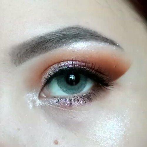 🌟🌟🌟🌟 PRODUCT DEETS __________________ @colourpopcosmetics Golden state of mind (bisa PO di @venessiashop @venessiashop @venessiashop ) @morphebrushes 39A Dare to Date @anastasiabeverlyhills dipbrow pomade Ebony . . #clozetteid #beautybloggerindonesia #eyeshot #beautygram #makeupblogger #eyetutorial  #anatasiabeverlyhills #eyeshadowtutorial #eotd #beautyblogger #indobeautygram #instabeauty #abhbrows #bretmanvanity #juviasplace #beautygram#morphebrushes #instamakeup #undiscovered_muas #beautycommunity #wakeupandmakeup #fiercesociety #morphebabe #hypnaughtymakeup #colourpopcosmetics #colourpopcult #sigmabeauty #flawlesssdolls . . .