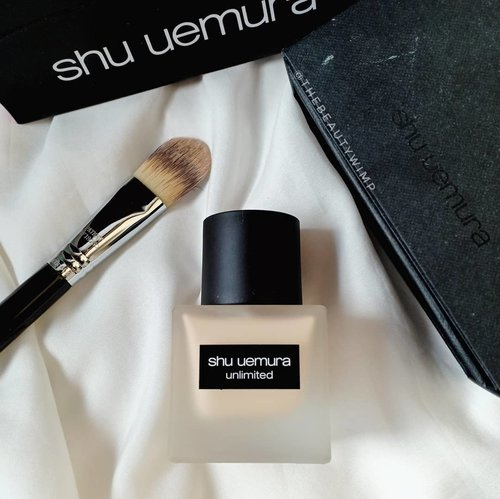 Shu Uemura Unlimited Fluid Foundation..It is packed in a frosted square glass bottle, that i thought it'd b so bulky. However it turns out only the size of the hand palm. It also comes with pump, so we can easily control how much product we dispense.For its texture and formula go check out my 2 previous posts 🔙🔙🔙🔙...#fakeupfix #makeupforbarbies2 #shuuemura  #shuuemuraid #unlimitedfoundation #bretmanvanity #nyxcosmetics_indonesia #amrezyshoutouts  #beautygram#foundation #undiscovered_muas #morphebabe #slave2beauty #wakeupandmakeup #makeupobsession #fiercesociety #bunnyneedsmakeup #hypnaughtymakeup #makeupinspiration #clozetteid #beautybaycom