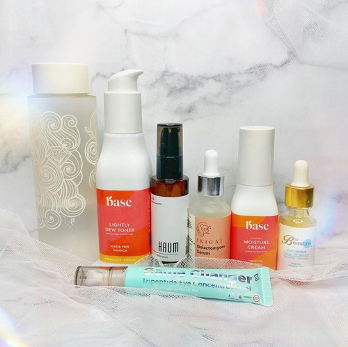 Have you done your PM skincare routine? Here's mine tonight ✨  First Essence @cremorlab_kr sumpah ga habis-habis 😂 Toner @itsmybase Lightly Dew Toner BHA Serum @haumskincare 2% Salicylic Acid Brightening Serum @ikigai.skincare avail at @klaarnclair  Eye Care @somethincofficial Game Changer @itsmybase Moisture Cream mix with @biobeautylab luxurious facial oil (for hydration booster)  . . . .  ⁣ #beautygoersid #instamakeup  #makeuptutorial  #beautyenthusiast  #100daymakeupchallenge⁣ #makeupfeed #unleashyourinnerartist #creativemakeup  #makeuptutorial @setterspace @tampilcantik @tiktokofficialindonesia @cchanel_beauty_id @tips_kecantikan  @popbela_com⁣  #makeuplooks #wakeupandmakeup #clozzeteid #sigmabrush #clozetteid #slave2beauty #wake2slay  #amrezyshoutouts #tiktokindonesia #undiscovered_muas #inssta_makeup #berbagiskill #tiktokindonesia #tiktok #samasamadirumah ⁣ ⁣