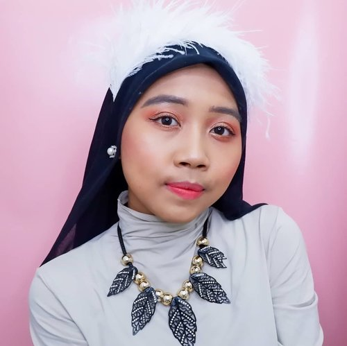 Trying to make makeup look inspire by @renebaebae on Psycho Music Video❤ tau ko gak mirip tapi seenggaknya usaha recreate makeupnya😅😅. Biar makin mirip sampe bikin bandonya juga😄. Detail makeupnya bisa kalian liat di video ku di Youtube channel aku. Atau langsung cek IGTV aku untuk linknya❤. . . #clozetteid #makeuplook #makeup #makeuptutorial #makeupkpop #redvelvetpsycho #redvelvetmakeup #redvelvet #ireneredvelvet