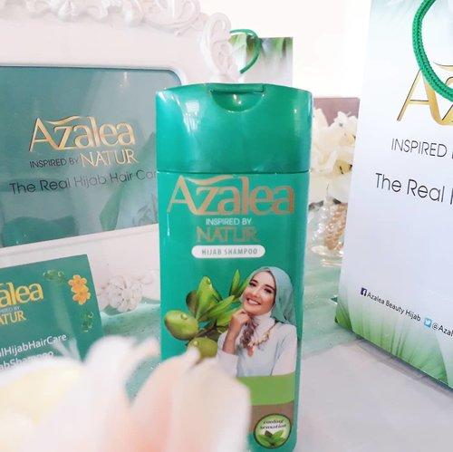 @azaleabeautyhijab The Real Hijab Hair Care, sharing session tentang perawatan Rambut bagi perempuan berhijab dengan @hijaberscommunitybks di @3cooks.Shampoo Azalea ini mengandung gingseng yang berfingsi untuk menguatkan akar rambut dan mengurangi kerontokan.Mengandung ekstrak Zaitun yang berfungsi merawat kulit kepala agar mencegah ketombe.Selain itu, ada cooling sensation dari mentolnya, jadi abis keramas kepala terasa seger deh😉😉......#clozetteid #azaleahijabshampoo#therealhijabhaircare#azaleahijabdating#azaleaxHCBekasi #ulzzang #fashionblogger #블로거#얼짱#패션스타그램#패션블로거#스트리트패션#스트릿패션#스트릿룩#스트릿스타일#패션#스타일#일상#데일리룩#셀스타그램#셀카#ブロガー #ファッションブロガー