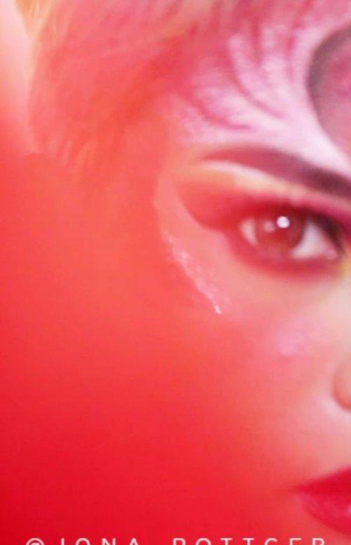 Mumpung masih dalam bulan kemerdekaan nih.Product used:- @mineralbotanica @joantjakra Cushion and contour stick- @depsnailofficial Sponge- @nyxcosmetics_indonesia @jaquelicious concealer- @kimusecosmeticsid brow tattoo- @jamescharles @juviasplace palette- @yslbeauty Eyeliner añd Rouge Couture @anggarahman #Setterspace#clozetteid#theshonet#lookbookindonesia#indobeautygram#indobeautychannel#beautychannelid#indobeautysquad#bunnyneedsmakeup#ladybossjkt#bvvlogger#bloggirlsid#bloggervloggerindonesia#storieid#jakartabeautyblogger#indobeautyblogger#ivgbeauty#channelbeautyindonesia#lemoninfluencerid#cchannel_beauty_id#nusantaramood#100daysofmakeup#Artmakeup#fantasymakeup#videotutorial#beautymakeuplooks#dwiendahpusparini#tasyashoutoutfarasya