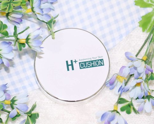 New post on my blog about : TROIPEEL H+ Healing Cushion. It's a Korean cushion foundation by Korean Cosmetic Brand called Troipeel.Function : whitening, UV protect, Anti wrinkleSkin regenarating effect with skincare effectRead more : www.miharujulie.com#clozetteid #cushion #troipeel #healingcushion #troiareuke #miharujulieblog #miharujuliereview #miharujuliephotography