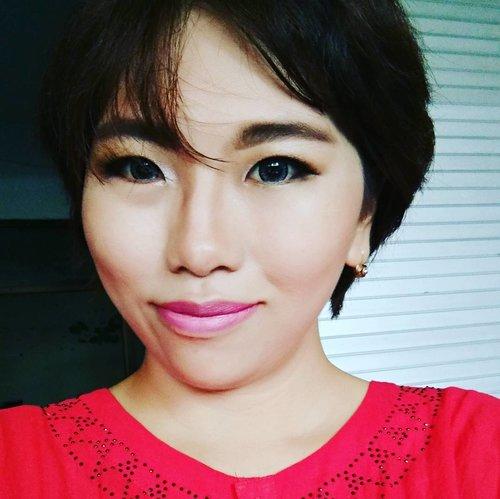 Mau hijrah aj ah ke brand korea, berasa lebih pede pake brand korea ke wajah, di makeup ini aj 80% pake produk korea. Mulai dari base, cushion, eyebrow, maskara eyeliner, lipstik . Pelan pelan ganti dah.. #makeup #clozetteid #beautyblogger #alleriamakeupartist #starclozetter #beautybloggerindonesia #AltheaKorea #AltheaID #balibeautyblogger #holikaholika #matfix #cushion #koreamakeup #rire