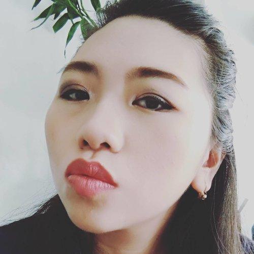 Lama ga dandan 😁 #mymakeup #naturalcolour #beautybloggerindonesia #beautyblogger #alleriamakeupartist #clozetteid #starclozetter
