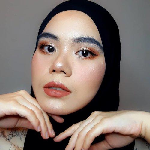 Eyes: @esqacosmetics Bronze Goddess Eyeshadow Palette + @esqacosmeticsEyeliner#esqaddicts#esqaddicted#esqacosmetics#makeuplook #clozette #Clozetteid