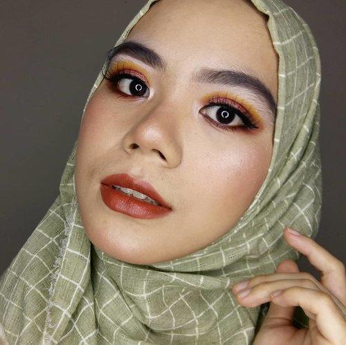 Lashes @artisanpro Classiques CL1640 X Imel Vilentcia  #hijabstyle #hijabi #hijab #makeuplook #makeuplooks #makeup #makeupinspiration #makeupideas #beautygram #beautyvlog #beautybloggers #beautyblogger #beautiesquad #beautysocietyid #instabeauty #indobeautyblogger #indobeautysquad #indobeautygram #clozette #clozetteid