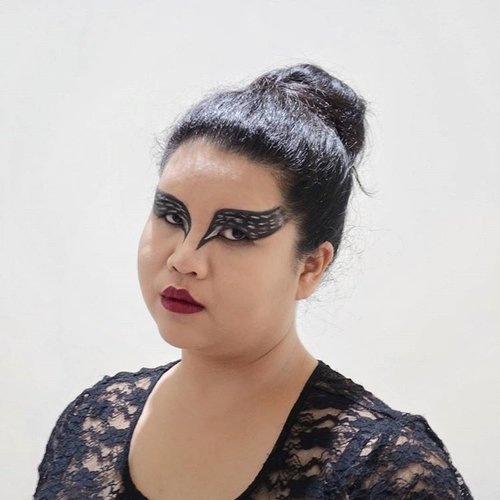 Posing as #BlackSwan for #Mindshare Hello-win Spook-tacular // #dibuangsayang #helloween #Clozette #ClozetteID didn't have the heart to wipe off the makeup 😂