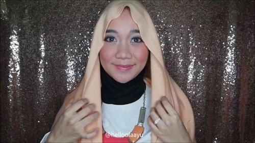 Tutorial hijab pashmina - Ramadan Series . Hijab berwarna orange dengan bahan viscose ini cocok banget untuk kamu pakai saat buka puasa bersama teman-teman loh! Jangan pernah takut untuk menggunakan warna orange yang fresh ini karena kamu akan terlihat segar dan ga kelihatan lemas walau udah puasa seharian.  . . #clozetteid #hijaber #hijabchic #hijabtutorial #tutorialhijab #tutorialmakeuphijab #tutorialhijabsimple #tutorialhijabpashmina