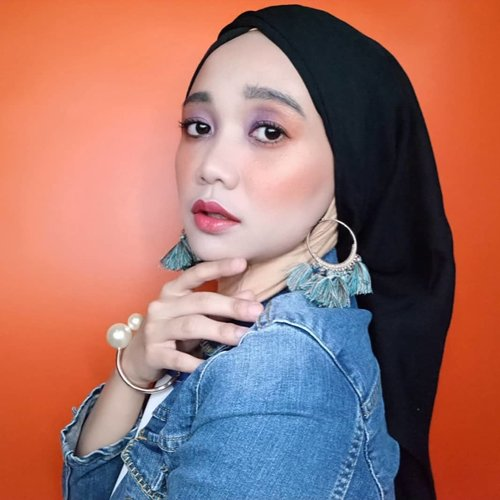 🍑 peach orange vibe ceunah 🍊 . . . . . . . #simplycovered #hijabstyle_lookbook #hijabfab #hijabwear #chichijab #hijabdaily #makeupuntukhijab #hijabmakeup #muahijab #setterspace @setterspace @clozetteid #clozetteid #beautychannelid @beautychannel.id @beautybloggerindonesia #beautybloggerindonesia @tampilcantik.ind #tampilcantik