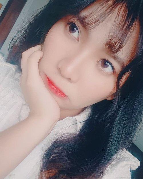 Kiranya postan ini bisa memberi senyum pada orang2. .  Bukan muka w tentunya..... Di swipe aja~ *WKWKWKWKK 😂😂😂. . . . . . . . . #potd #makeupindonesia #makeup #mua #makeupinspiration #filter #f2f #follow4follow #parrotofinstagram #birb #lovebird #indobeautyinfluencer #indobeautygram #indobeautysquad #eyes #parrot  #love #filters #clozetteid