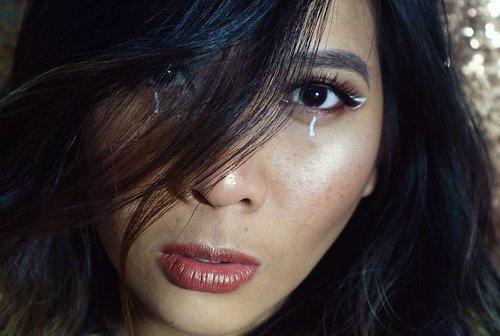 I wonder... if i have a lil bit tant skin. Sooooo.... heres a result... i like it 😂😂😂😂😂 * jadi mau tanning* 😂😂😂😣😕😕😕. . . . . . #nyxcosmetics #indonesiabeautyblogger #indobeautygram #indonesiamua #mua #makeupartist #makeupartistindonesia #muajakarta #muaindonesia #beautyenthusiast #beautyinspo #beautyblogger #makeupblogger #beautyinfluencer #makeupjunkie #fotd #motd #makeup #eyeshadow #sephora #sephoraid #look #hudabeauty #getthelook #mua_underdogs #ibv #ivgbeauty #clozette #clozetteid #clozetter