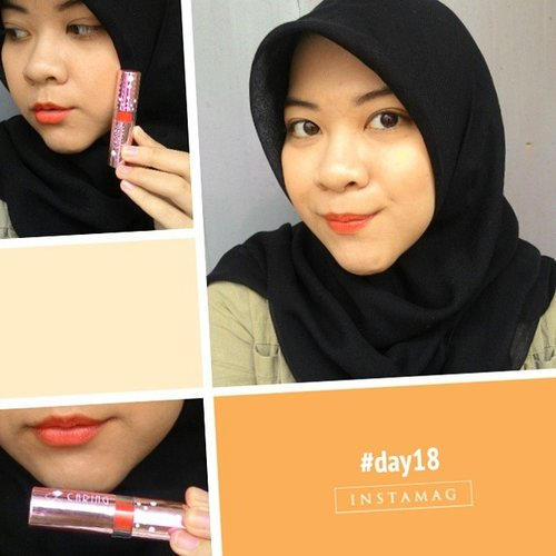 Nope, no pink lippie today #antimainstream 😂 I have bright orange instead, it is Caring Colors in 1 Ever Sun. It has a tad bit of shimmer, and not as creamy as her sister the Brown Sugar, although it is moisturizing; thanks to the balm in the middle of the bullet. The color is pure orange that leans toward red. Not a fan of the texture and shimmer but I love the color! Such a hard love and hate relationship 😩 #day18 #1day1lipstick #lipstickchallenge #clozetteid #clozettedaily