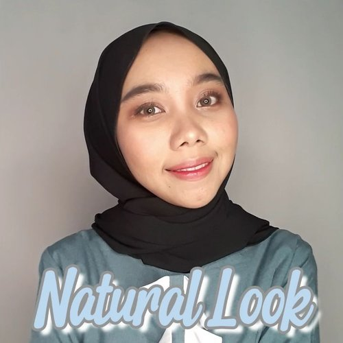 Makeup natural look lumayan buat video call sama siapa gitcuuuuu... supaya nggak kelihatan usaha banget. Padahal...☺☺😊 hahaha.Produk yang kupakai@lorealindonesia Infallible full wear concealer - beige@innisfreeindonesia eyebrow pencil - 05 gray@eminacosmetics mineral bare with me cushion - caramel@eminacosmetics bright stuff loose powder@eminacosmetics eyeshadow - nude@lorealindonesia paradise waterproof mascara@madame.gie make it sharp - 01@eminacosmetics pressed cheeck blush - cotton candy@lorealindonesia colour riche matte - 248@madame.gie liptint - 01.#tutorialmakeuplg #tutorialmakeup #tampilcanti #ragamkecantikan @tampilcantik @tips__kecantikan @ragam_kecantikan #bunnyneedsmakeup @bunnyneedsmakeup #clozetteid #clozette