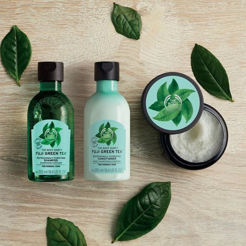 Finally, @thebodyshopindo Fuji Green Tea Hair Scrub & Conditioner is up! ✨And I really love this range 🌱💚If you want to know why, click link on my bio! ......#thebodyshopid #indobeautygram #bvloggerid @bvlogger.id #beautyblogger #fashionpeople #fblogger #블로거 #스트리트스타일 #스트리트패션 #스트릿패션 #스트릿룩 #스트릿스타일 #패션블로거#bestoftoday #style #makeupjunkie #l4l #ggrep#smile #makeup #bblogger #BeautyChannelID#hudabeauty @beautychannel.id #japankorea#bloggerceriaid#beautybloggerindonesia#sociollabloggernetwork #clozetteid #allyoungsquad