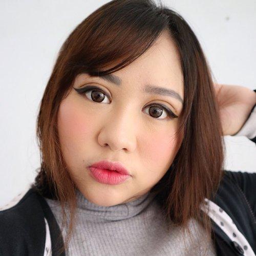 Short hair? Yay or Nay? 💇🏻............#indobeautygram #bvloggerid @bvlogger.id #beautyblogger #fashionpeople #fblogger #블로거 #스트리트스타일 #스트리트패션 #스트릿패션 #스트릿룩 #스트릿스타일 #패션블로거#bestoftoday #style #makeupjunkie #l4l #ggrep#smile #BeautyChannelID#hudabeauty @beautychannel.id #japankorea#bloggerceriaid#beautybloggerindonesia#sociollabloggernetwork #clozetteid