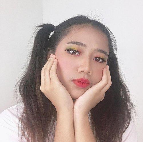 Snow menyelamatkan makeup gagalku hari ini🤝  besok aku upload review peel off mask yang bisa angkat komedo kemarin yahh💕🥰 #clozetteid #makeup #beauty #motd #selca #beautiesquad #indobeautysquad