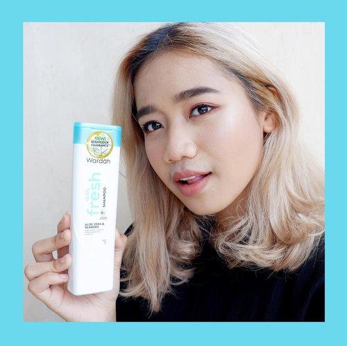 udah baca review aku tentang shampoo terbarunya @wardahbeauty ? cek postan sebelum ini ya. . #rambutfitluardalam #WardahXClozetteID#WardahShampooReview . . #clozetteid #beauty #skincare #makeup#beautyreview #setterspace#beautybloggerindonesia #bloggerceriaid#ourbeautystoryblog #wardah #wardahshampooreview #wardahshampoo #hair