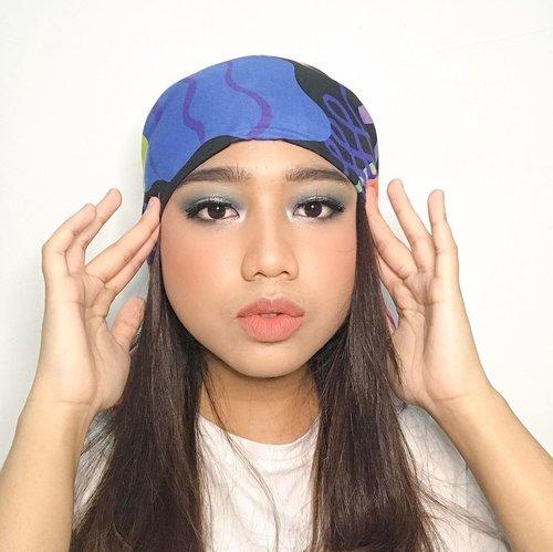 Misi....madam aul lewat, eh salah, ini Mino versi Cewek (aq digampar innercircle🙂) Emang ner bener ya, idol kipop yg paling nyentrik ya pake scarf buat krudung segala. Dijadiin turban pula. Pokoknya mirip dah aku sama Mino, slide aja ampe akhir ._.v  Kebetulan cocok aja gitu buat makeup Ramadhan🙏🏼 Video naik pan kapan yes🥰  #clozetteid #makeup #beauty #minomakeup #minowinner #makeupinspired #makeupinspiredbyminowinner #koreanmakeup #motd #koreanmakeup #idolmakeup #beautiesquad #beautybloggerid #beautybloggerindonesia #bloggerceriaid #indobeautysquad