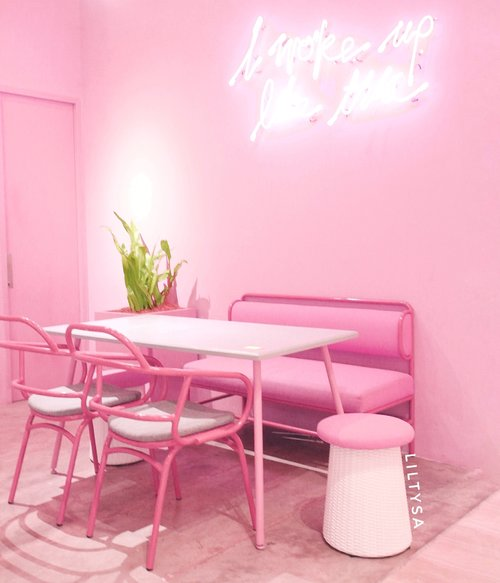 One of my fave pink caffe in town! - Ottomans caffe