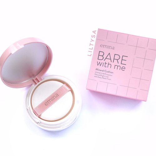 Emina BARE with Me Mineral Cushion review now up on my blog! Click link on bio 🙏🏻 . . . #emina #eminacosmetics #bbcushion #eminacushion #beautyproduct #clozette #clozetteid #clozetter #beautyblogger #makeup #localproduct #localmakeup