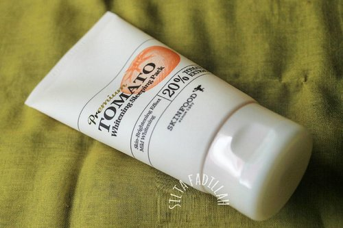 [Beauty Riview] – Skinfood Premium Tomato Whitening Sleeping Pack  10 rutinitas cewek korea saat malah hari, salah satu nya ya produk dari skinfood ini, simak selengkapnya di blog aku.  Biar kalian bisa ikutin 10 rutinitas cewek korea di malam hari agar kulit CERAH, SEGAR, KENYAL dan HALUS saat di pagi hari 😍  http://wp.me/p7ImzY-1hp (Klik link or BIO)  #skinfood #tomatowhiteningsleepingpack #whitening #sleepingpack #Kbeauty #08L #08liter #clozetteid #clozetteidxtbs #clozette #makeup #beautybloggerpalembang #beauty #beautyblogger #beautybloggerid #bblogger  #bloggerpalembang #palembangbeautyblogger #review #reviewkosmetik #blogger #palembangbeauty #korean #skincare #blogger #koreablogger #beautykorea