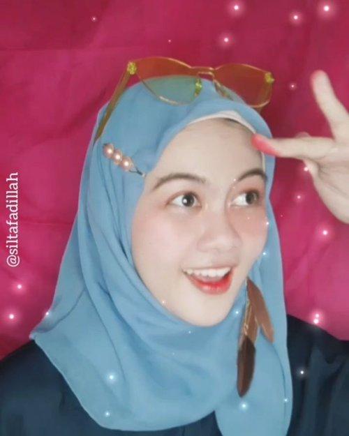 Tutorial makeup dengan 5 produk 😱Look makeup Simpel ala Silta kalau lagi buru-buru atau lagi traveling dandannya gini nih, sesimpel bawa peralatan makeup 😂Semoga bisa membantu dan bermanfaat 🙏😘 #ClozetteID #TutorialSilta #tutorialmakeup #tutorialmakeupflowles #PlgBeautyBlogger #palembangbeautyblogger #indobeautygram #indobeautysquad #indobeautyvlogger #BeautyInfluencer #beautybloggerindonesia #Beautiesquad