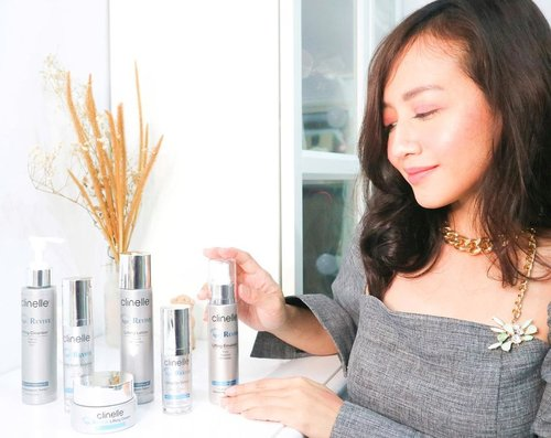 Aging is a natural process that we couldn't avoid, but we can slow down the skin aging process by using the right skincare for our skin. I was so excited when @clozetteid sent me the new skincare line 𝐀𝐠𝐞 𝐑𝐞𝐯𝐢𝐯𝐞 from @clinelleid. This series is formulated with Youth Activate Technology (8+1) with 9 plant extracts to combat the signs of skin aging such as wrinkle, smile lines, dark spot, crow feet; stimulate the natural growth factor and calm the skin.⁣⁣Clinelle Age Revive consists of 6 products :⁣🌾Lifting Cleanser⁣🌾Lifting Lotion⁣🌾Lifting Eye Serum⁣🌾Lifting Youth Essence⁣🌾Lifting Emulsion⁣🌾Lifting Cream⁣You can get all these products exclusively from the nearest @guardian_id store.⁣In addition, for the full review as well as my first impressions after 1.5 weeks of use, please do visit my blog ;)⁣⁣#Clinelle #ClinelleIndonesia #HappySkinHappyFace #MyBeautifulHealthyAge #ClinelleAgeRevive #ClinelleAgeRevivexClozetteID #ClozetteID #cathyangreview