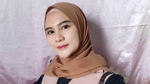 Memories bring back you 💏#photooftheday #hijabstyle #hijabers #clozette #clozetteid #motd #makeup #naturalmakeup #dailymakeup
