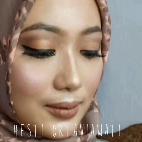 Mini tutorialnya udh UP juga nih di YT Channel 💕 linknya di bio yaa 😊👧 : @veramusviroh #homakeupstory#beautyvloggerid  #makeuplook #makeupaddict #indobeauty #beautylosophy #smartbeautycommunity #indobeautygram #makeupenthusiast #beautytalkindo #indobeautysquad #beautybloggerindonesia #bloggerperempuan #setterspace #beautyguruindonesia #indomakeupsquad #muapandeglang  #teambvid #beautychannelid #hijabersbeautybvlogger #bunnyneedsmakeup #beautybloggertangerang #beautysecretsquad #clozette #smartbeautycom #clozetteid #beautycollabid @indobeautygram @beautyblogger.id @beautybloggerindonesia @bvlogger.id @beautytalk_indo @beautilosophy @inspirasimakeup.id @setterspace @beautylosophy @beautyguruindonesia @indobeauty_squad @teambvloggerid @beautychannelid @indomakeup_squad @bunnyneedsmakeup@smartbeautycommunity @bloggerperempuan @beautysecretsquad @beautyblogger.tangerang @smartbeautycommunity@beautycollabid