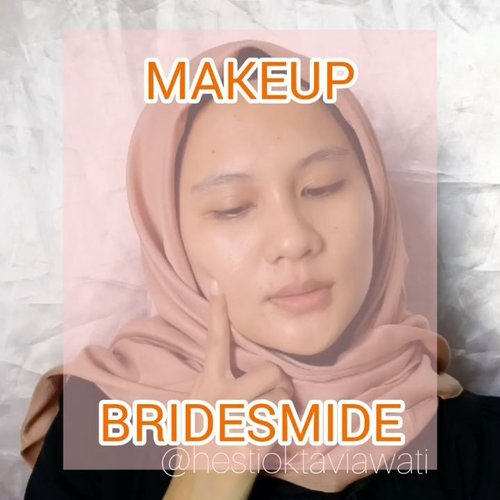 Tutoryel makeup yang kemaren udh up nih 💃Bisa dipake ke acara formal atau buat jalan2 juga bisa kalau kalian yang mau menutupi bekas jerawat tapi pengen pake yg ringan dan flawless 🤩 💎 PRODUCT DETAILS :▪@emina sun protection spf 30 PA+++▪@pac studio coverage hydrating primer▪@emina beauty bliss bb cream with vit C & vit E▪@getthelookid Infallible full wear concealer shade amber▪@focallure brow gel cream shade 04 ash brown▪@missha 4D mascara shade black▪ @Makeover Riche Glow face highlighter▪@abstractid lashes N3▪ @marckscosmeticind loose powder shade creme▪ @inez color contour plush eyeshadow 05 venice▪Makeup smith rich eyeshadow 511 orange red▪@mokomoko my precious contour▪@fanbo choco rush lip cream shade 01 It's Amberday#homakeupstory #makeuptutorial #tutorialmakeupnatural #tutorialmakeup #makeupglowing #makeupflawless #makeupchallenge #makeupideas #makeuptime #makeup #lfl #fff #clozetteid