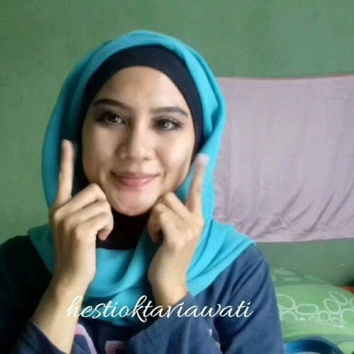 "<div class=""photoCaption"">Tutorial makeup princess jasmine ala-ala kadarnya udh full nih sm facenya 💕♡ PRODUCT USED : ▪ @zoya sunscreen cream spf 35 PA++ UVA UVB▪ @Maybelline Fit me matte + poreless shade 220▪ @purbasari oil control matte powder hydra series▪ @zoya confetti blush▪ @Catrice sun glow matte bronzing no 030 medium bronze ▪ @Makeover Riche Glow face highlighter▪ @vaseline repairing jelly▪ @benefit lipstik shade red▪ @emina creamatte shade amazeballs 11 <a class=""pink-url"" target=""_blank"" href=""http://m.id.clozette.co/search/query?term=aladdinmakeup&siteseach=Submit"">#aladdinmakeup</a>  <a class=""pink-url"" target=""_blank"" href=""http://m.id.clozette.co/search/query?term=aladdininspiredmakeup&siteseach=Submit"">#aladdininspiredmakeup</a>  <a class=""pink-url"" target=""_blank"" href=""http://m.id.clozette.co/search/query?term=homakeupstory&siteseach=Submit"">#homakeupstory</a>  <a class=""pink-url"" target=""_blank"" href=""http://m.id.clozette.co/search/query?term=beautyvloggerid&siteseach=Submit"">#beautyvloggerid</a>  <a class=""pink-url"" target=""_blank"" href=""http://m.id.clozette.co/search/query?term=makeupaddict&siteseach=Submit"">#makeupaddict</a>  <a class=""pink-url"" target=""_blank"" href=""http://m.id.clozette.co/search/query?term=beautyvloggerindonesia&siteseach=Submit"">#beautyvloggerindonesia</a>  <a class=""pink-url"" target=""_blank"" href=""http://m.id.clozette.co/search/query?term=indobeauty&siteseach=Submit"">#indobeauty</a>  <a class=""pink-url"" target=""_blank"" href=""http://m.id.clozette.co/search/query?term=smartbeautycommunity&siteseach=Submit"">#smartbeautycommunity</a>  <a class=""pink-url"" target=""_blank"" href=""http://m.id.clozette.co/search/query?term=indobeautygram&siteseach=Submit"">#indobeautygram</a>  <a class=""pink-url"" target=""_blank"" href=""http://m.id.clozette.co/search/query?term=makeupenthusiast&siteseach=Submit"">#makeupenthusiast</a>  <a class=""pink-url"" target=""_blank"" href=""http://m.id.clozette.co/search/query?term=beautytalkindo&siteseach=Submit"">#beautytalkindo</a>  <a class=""pink-url"" target=""_blank"" href=""http://m.id.clozette.co/search/query?term=indobeautysquad&siteseach=Submit"">#indobeautysquad</a>  <a class=""pink-url"" target=""_blank"" href=""http://m.id.clozette.co/search/query?term=setterspace&siteseach=Submit"">#setterspace</a>  <a class=""pink-url"" target=""_blank"" href=""http://m.id.clozette.co/search/query?term=beautyguruindonesia&siteseach=Submit"">#beautyguruindonesia</a>  <a class=""pink-url"" target=""_blank"" href=""http://m.id.clozette.co/search/query?term=indomakeupsquad&siteseach=Submit"">#indomakeupsquad</a>  <a class=""pink-url"" target=""_blank"" href=""http://m.id.clozette.co/search/query?term=teambvid&siteseach=Submit"">#teambvid</a>  <a class=""pink-url"" target=""_blank"" href=""http://m.id.clozette.co/search/query?term=beautychannelid&siteseach=Submit"">#beautychannelid</a>  <a class=""pink-url"" target=""_blank"" href=""http://m.id.clozette.co/search/query?term=hijabersbeautybvlogger&siteseach=Submit"">#hijabersbeautybvlogger</a>  <a class=""pink-url"" target=""_blank"" href=""http://m.id.clozette.co/search/query?term=bunnyneedsmakeup&siteseach=Submit"">#bunnyneedsmakeup</a>  <a class=""pink-url"" target=""_blank"" href=""http://m.id.clozette.co/search/query?term=beautybloggertangerang&siteseach=Submit"">#beautybloggertangerang</a>  <a class=""pink-url"" target=""_blank"" href=""http://m.id.clozette.co/search/query?term=beautysecretsquad&siteseach=Submit"">#beautysecretsquad</a>  <a class=""pink-url"" target=""_blank"" href=""http://m.id.clozette.co/search/query?term=clozette&siteseach=Submit"">#clozette</a>  <a class=""pink-url"" target=""_blank"" href=""http://m.id.clozette.co/search/query?term=smartbeautycom&siteseach=Submit"">#smartbeautycom</a>  <a class=""pink-url"" target=""_blank"" href=""http://m.id.clozette.co/search/query?term=clozetteid&siteseach=Submit"">#clozetteid</a>  <a class=""pink-url"" target=""_blank"" href=""http://m.id.clozette.co/search/query?term=beautycollabid&siteseach=Submit"">#beautycollabid</a>  <a class=""pink-url"" target=""_blank"" href=""http://m.id.clozette.co/search/query?term=indobeautygram&siteseach=Submit"">#indobeautygram</a>  <a class=""pink-url"" target=""_blank"" href=""http://m.id.clozette.co/search/query?term=tutorialmakeuplg&siteseach=Submit"">#tutorialmakeuplg</a>  <a class=""pink-url"" target=""_blank"" href=""http://m.id.clozette.co/search/query?term=tampilcantik&siteseach=Submit"">#tampilcantik</a>  <a class=""pink-url"" target=""_blank"" href=""http://m.id.clozette.co/search/query?term=inspirationmakeupwr&siteseach=Submit"">#inspirationmakeupwr</a> @inspirationmakeup_wr @tampilcantik @indobeautygram @indobeautygram @bvlogger.id @beautytalk_indo @beautilosophy @inspirasimakeup.id @setterspace @beautyguruindonesia @indobeauty_squad @teambvloggerid @beautychannelid @indomakeup_squad @beautyvlogger.id @bunnyneedsmakeup@smartbeautycommunity @beautysecretsquad @beautyblogger.tangerang @smartbeautycommunity@beautycollabid</div>"