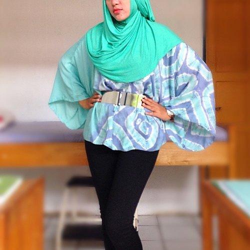 BUTTERFLY Bergo Elsa #meccanism from @inda_widiana  Square Top #dianpelangi from @dianpelangibanjarmasin  #ootd #outfitoftheday #hijabi #hijabers #hijabstyle #hijabfashion #lookoftheday #lookbook #lookbookNU #ClozetteID