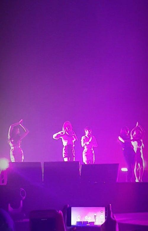 Seneng banget @renebaebae @hi_sseulgi comeback as duo tapi memang ngga akan bisa ngalahin kalau full member performance, moment nonton Red Velvet ngga akan bisa terlupakan. Ugh, jadi pengen berkunjung ke @smtown lagi dan reveluv merindukan @todayis_wendy untuk performance kembali 🥰.#timetravel #throwback #reveluv #redvelvet #smtown #akudankorea #kekoreaaja #ktoid #wowkoreasupporters #workwithhappy #playwithhappy #neverstopplaying #dearbeautylove #clozetteid #loveyourself #speakyourself #neverafraid #changedestiny #daretobedifferent #ajourneytowonderland #withgalaxy #july #2020