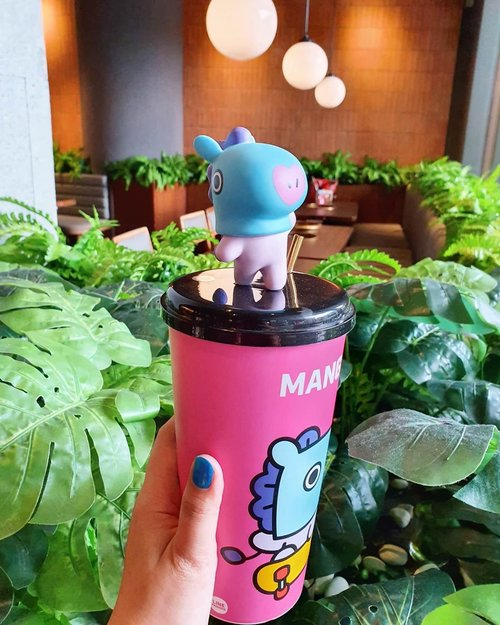 .The glass filled with memories is more bitter as I drink itBut I think I know why I keep drinking itWhy am I getting so sad that everyone lives this way?.#timetrave #linefriends #cgv #ktoid #bt21 #mang #jhope #akudankorea #youdeservetobehappy #workwithhappyaywithhappy #neverstopplaying #dearbeautylove #clozetteid #zilingoid #neverafraid #changedestiny #loveyourself #speakyourself #daretobedifferent #borntolead #ajourneytowonderland #january #2020