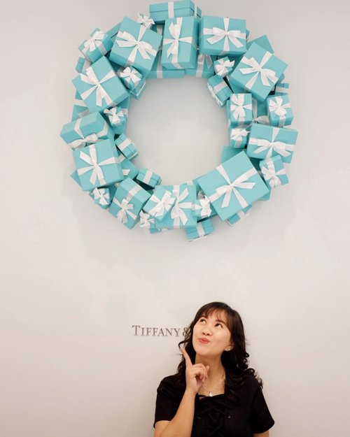Happy holiday ❤️ . #atiffanyholiday #tiffanyandco #tiffanyhardwear #whitechristmas #christmas #popbelaootd #ootd #motd #ootdindo #workwithhappy #playwithhappy #playwithstyle #nomakeupmakeuplook #neverstopplaying #dearbeautylove #clozetteid #changedestiny #daretobedifferent #borntolead #ajourneytowonderland #like4like #december #2017