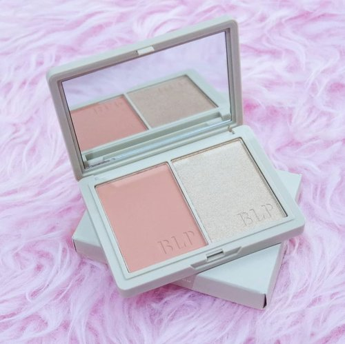 . My Favorite blush on from @blpbeauty Face Glow shades Sunset and Sunrise recommended by @chaliesti . A versatile palette consisting of coral blush for everyday, natural look and champagne highlighter that works for all skin tones. Build-able, pigmented and luminous, the formula suits every complexion and lives up the glow inside out ☀️ . #timetravel #blpbeauty #faceglow #beautyreview #samasamadirumah #dirumahaja #socialdistancing #selfquarantine #coronavirus #workwithhappy #playwithhappy #neverstopplaying #dearbeautylove #clozetteid #loveyourself #speakyourself #neverafraid #changedestiny #daretobedifferent #borntolead #ajourneytowonderland #july #2020