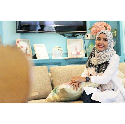 Assalamualaikum, selamat pagi! Jangan lupa bersyukur 😊....#morningpic #morninglook #clozetteid #starclozetter #bloggerdailylook #emakblogger #bloggerlife #randomlifemoms #momblogger #hijabersindonesia