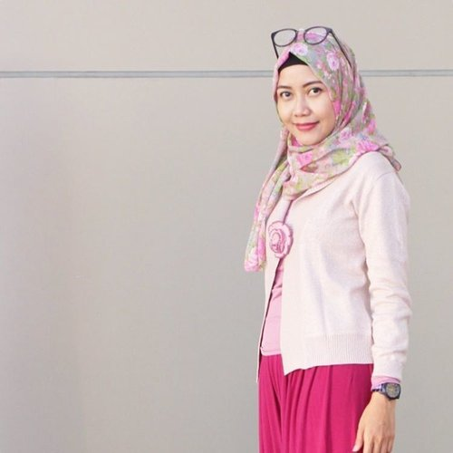 Everything is going to be oke in the end. If it's not ok, ita's not the end. Keep your happy mind, to get a happy life. Morning love! 😊🌹❤️ . . . . #morningworld #morningmotivation #bloggerlife #emakblogger #clozetteid #starclozetter #hijabblogger #bloggergram #indonesialifestyleblogger #momblogger #workingmom #digitalmom #randomlifemoms #indonesianhijabers #lifestyleblogger #morninglife #hijabmom #hijabsmart #bloggerlove #msahiddailylook #msahidootd #msahidstyle #msahiddiary #inspirasimama #catatnmsahid
