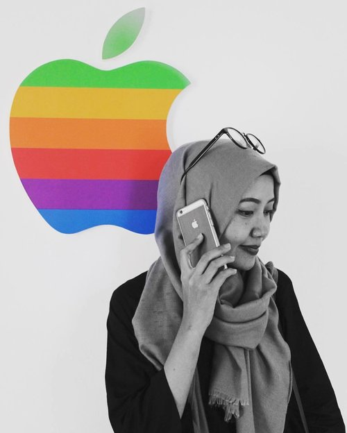 """""""You'll never find a rainbow, if you're looking down""""-Charles Chaplin-...#instaquote #clozettedaily #starclozetter #clozetteid #bloggerlife #emakblogger #momlife #msahiddaily #indonesianlifestyleblogger #bloggerlove #rainbow #indonesianblogger #iphonesia #iphone6 #iphone #iphonephoto #iphoneasia #iphonepic #iphoneid"""