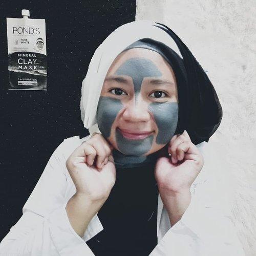 POND'S Pure White Mineral Clay Mask merupakan inovasi terbaru POND'S yang dapat membersihkan wajah secara menyeluruh. Kandungan 100% Moroccan Clay alaminya diperkaya dengan mineral sehingga mampu mengangkat kotoran 4 kali lebih baik dari charcoal biasa.Dengan pemakaian POND'S Pure White Mineral Clay Mask secara teratur aku mendapatakan 3 manfaat perawatan sekaligus, wajahku jadi bersih, glowing, tampak halus, lembut dan kenyal.#ClozetteID