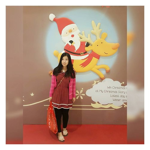 This santa is too cute to be missed. Pardon my sandals 🙈 📸 : @andrejul239 . . . . . . . . #instagram #selfie #wefie #selfcamera #date #dating #latepost #photography #photooftheday #potd #selca #red #santa #latechristmas #blogger #beautyblogger #fashionblogger #indonesian #chinese #chinesegirl #instagramers #Instagram #ClozetteID #ootd #christmas #christmasvibe
