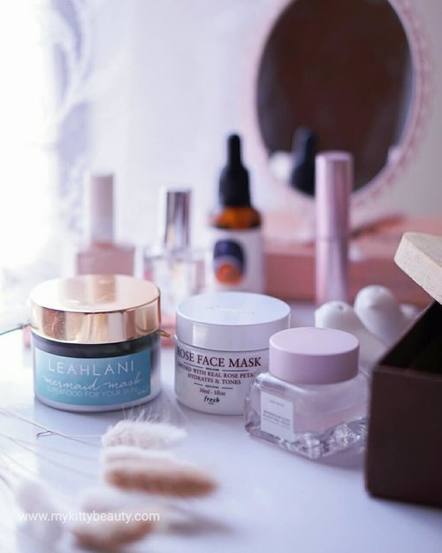 What's your beauty resolution in 2019? Me. Be realistic for beauty standard by using a simple and minimalist skin care product. And for reach that goal, I have to finish off all of my opened skincare first. 😅Masks might be the hardest and longest skincare to finish off. I don't use a mask every day, but don't know why I keep buying it just because the the mask is too tempting to buy until Blithe stole my heart. It gives me all the things that I need in 30 seconds which are exfoliation and hydration. That's a game changer. I was too lazy to put another after found that Blithe.And after a long time, this weekend gives me a chance to go back to using another mask. After a long break, I've never expected that my skin still loves these conventional masks. ..🌿Leahlani Mermaid Mask is a clay mask that comes with natural ingredient. It contains Hawaiian Raw Hone, Spirulina, Kaolin, Chlorella and many kinds of premium essential oils which gives you plumpy and natural glows. The texture a little bit dry and rough, so make sure put on a damp face. You only need to massage then wait 2-5 minutes. Don't too long! And if you have low tolerance with raw honey please the patch test before...🍁Fresh Rose Face Mask is a hydrating mask. It probably is the most popular mask from Fresh. It infused with real rose petals and pure rosewater that hydrates and tones the complexion. It does the job but to be noted I have to use in much amount. Or I  would feel a bit overstretched and dry on my skin if I used in a small amount...🍂Glow Recipe Watermelon Night Sleeping Mask is an overnight mask that contains watermelon which rich an antioxidant, hyaluronic acid to give extra-hydration and AHA (glycolic acid & lactic acid) as an exfoliating agent. It has a fresh scent and a jelly-texture. Once you apply it on the face, it will leave a thin layer on the skin. But don't be afraid, it feels so light and breathable. I don't know about the presentation of AHA, but I could say it does a gentle exfoliation. You will feel smooth, supply and plumpy on next morning.#mykittybeauty #clozetteid #fdmademebuyit #abcommunity #idskincarecommunity #skincareroutine #rasianbeauty