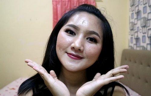 Hallo guys,, ini foto teaser video makeup menggunakan produk @lakmemakeup nih.. .  Siapa nih yang gak sabar aku bikin tutorial makeup lagi di youtube dan instagram?? Stay tuned ya..^^ .  #clozetteid #makeup #makeuplebaran #produklokal #Nudeslay #Instantglam #BeautyJournalxLakme @beautyjournal